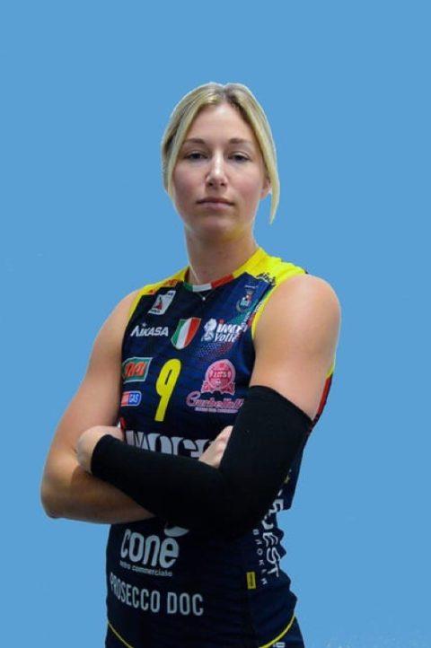 KARSTA LOWE
