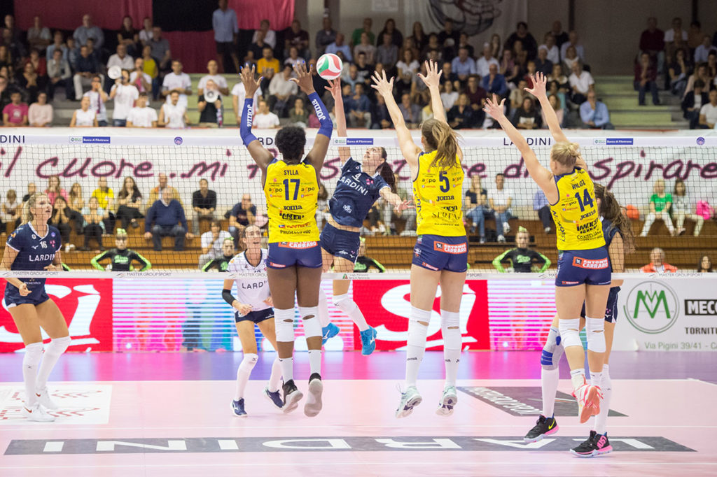 L'IMOCO COMBATTE A JESI, BATTE LA LARDINI (TERZO 3-0) E SALE IN VETTA ALLA CLASSIFICA