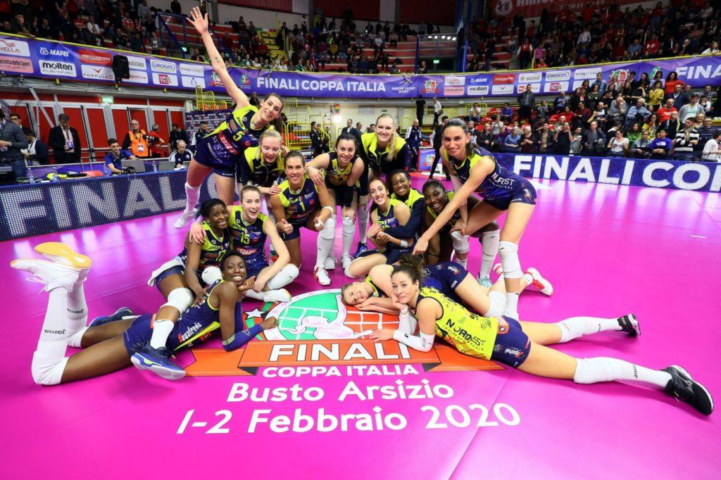 E' FINALE!!! L'IMOCO ABBATTE SCANDICCI E DOMANI (h.18, Rai Sport HD) SI GIOCA LA COPPA ITALIA!